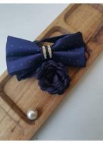 Модерен комплект за младоженец - тъмно синя папийонка с кристали и бутониера