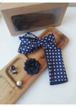 Елегантен комплект за младоженец - папийонка, кърпичка за сако, ръкавели с маргаритки и бутониера с подаръчна кутия