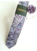 Красива мъжка вратовръзка и бутониера в сиво лилаво с бутониера за сватба бал и бизнес