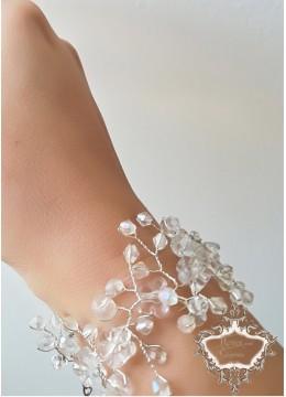 Сватбена гривна с кристали Сваровски и мъниста Прециоза от серията Little White Flowers by Rosie
