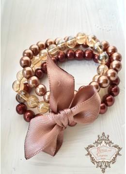 Стилен и модерен комплект гривни от Сваровски кристали и стъклени перли в цвят кафяво и бежово