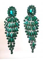 Дълги официални обици с изумрудено зелени кристали модел Emerald Fall