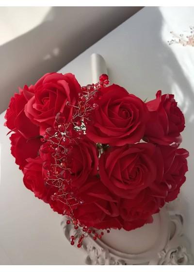 Дизайнерски букет в червено и бяло с 19 изкуствени рози- Red Roses Passion