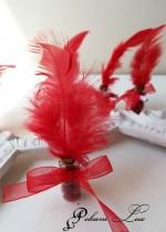 Подаръци за гости на бал шишенце с естествен камък корал с перо- над 20 бр