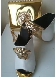 Стилен комплект чанта и обувки за булка в бяло и златно модел Versace Gorgon Gold