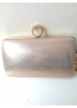 Официална чанта за сватба и бал цвят пудра с ефект металик с кристали на закопчалката