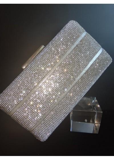 Елегантна дамска чанта цвят бяла перла с кристали в сребърно