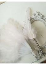 Сватбен комплект от луксозен химикал за сватба и ветрило за Булката от нежни бели пера